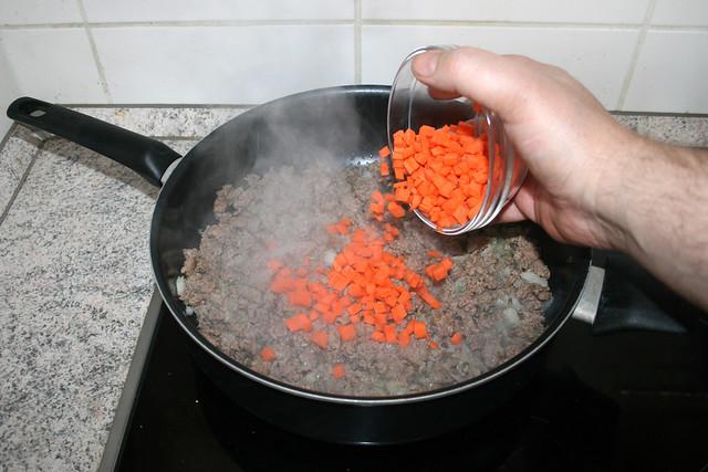 14 - Add carrots / Möhren hinzufügen