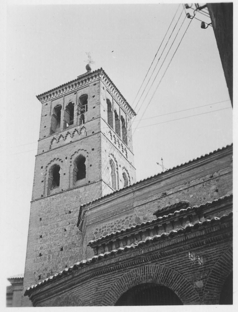Torre de la Iglesia de San Román hacia 1933. Fotografía de Fernando García Mercadal © Fundación Arquitectura COAM