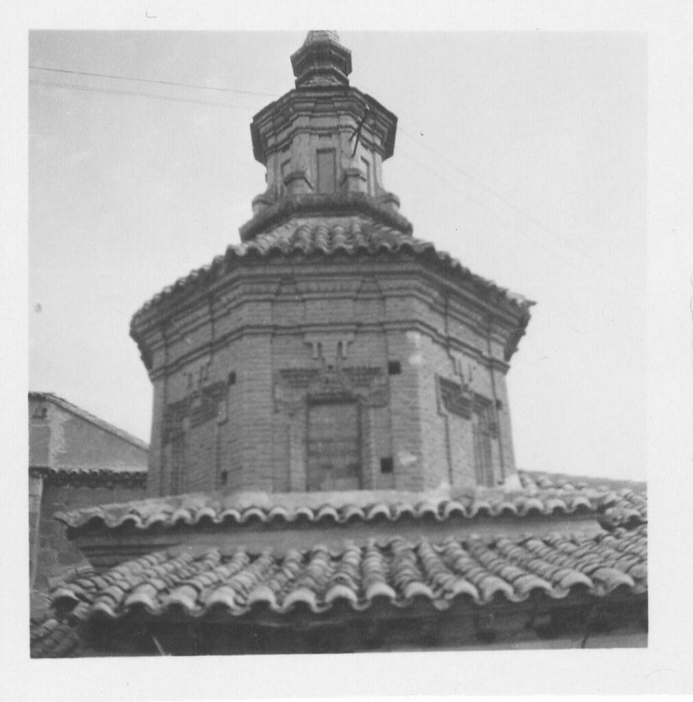 Remate barroco de una iglesia hacia 1933. Fotografía de Fernando García Mercadal © Fundación Arquitectura COAM