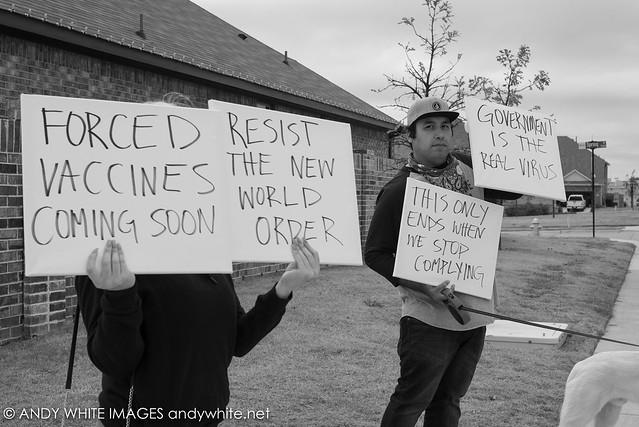 vaccineprotest20201123-2