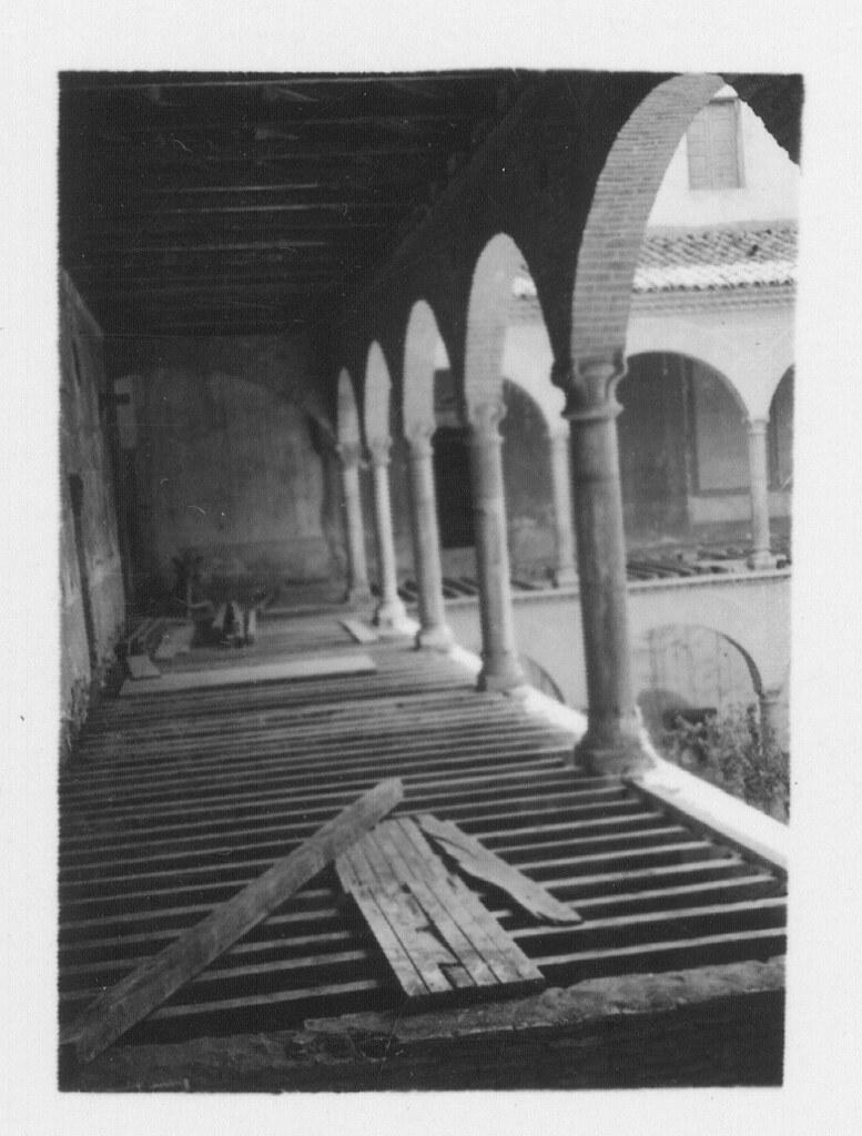 Obras de restauración del Hospital de Santa Cruz para su conversión a museo en los años 30. Fotografía de Fernando García Mercadal © Fundación Arquitectura COAM