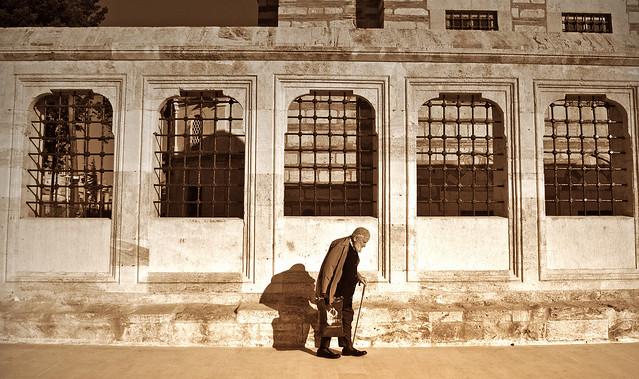 old man at Fatih Camii