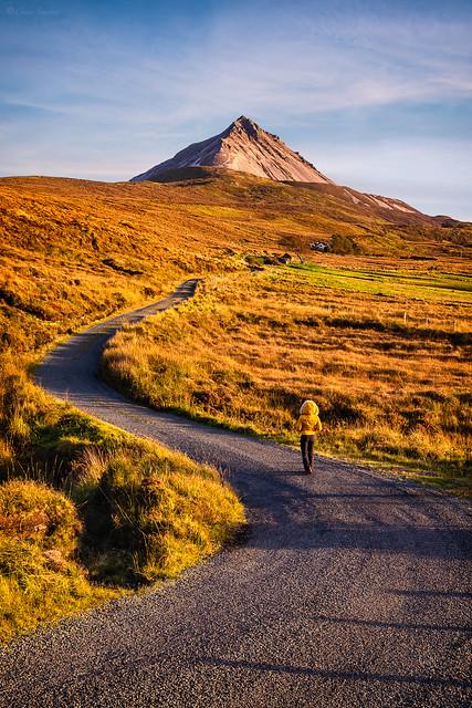 Mountain Roads || Carreteras de Montaña (Errigal Mountain, County Donegal. Ireland)