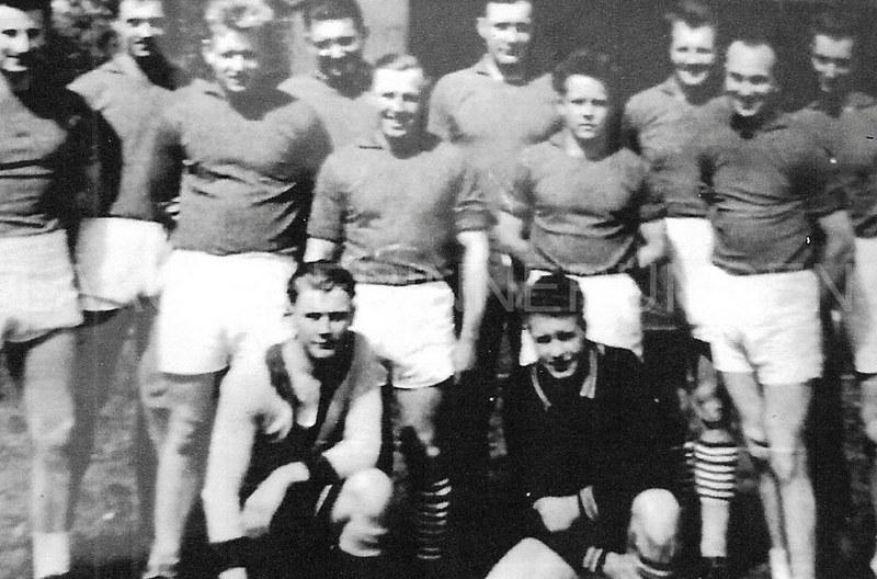 """Bild aus dem Jahr 1957- Großfeldhandballturnier in Bützow auf dem Sportplatz """"Am Wall"""":"""
