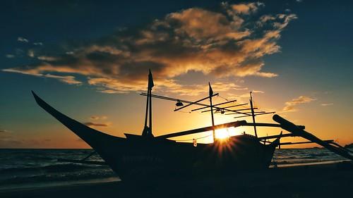 sun sand surf beach sky cloud boat sunburst swim canonpowershotg7xmarkii sunrise lowangle dock