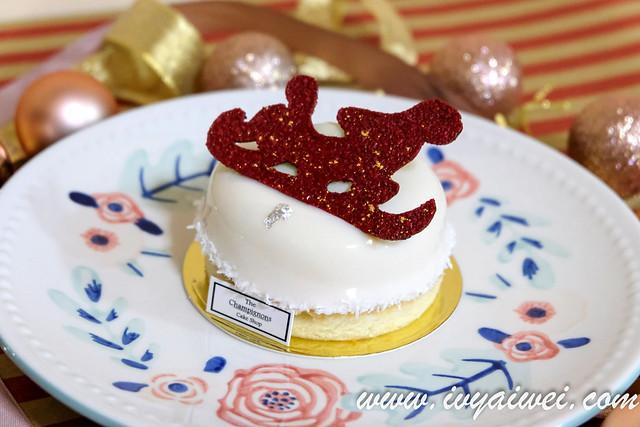 the champignons cake shop winter (18)