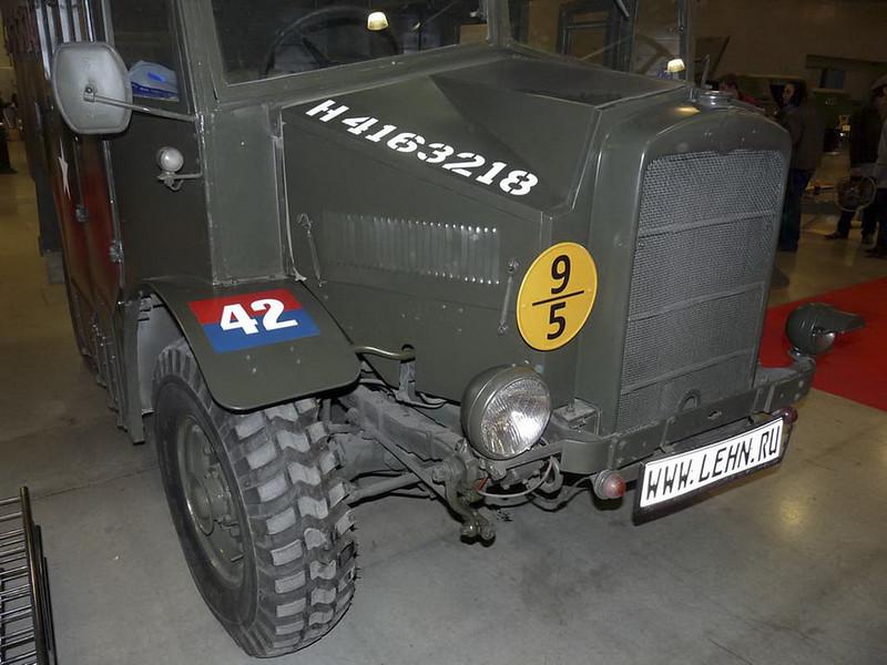 Morris-Εμπορική C8