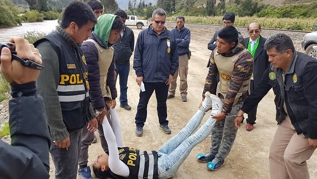 Los acusados participando en la reconstrucción policial