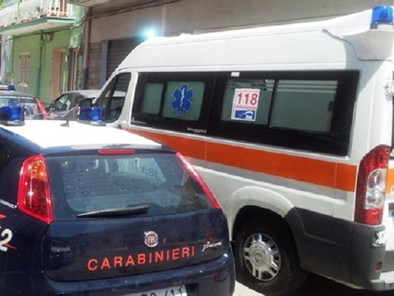 Noicattaro. Ambulanza e Carabinieri front