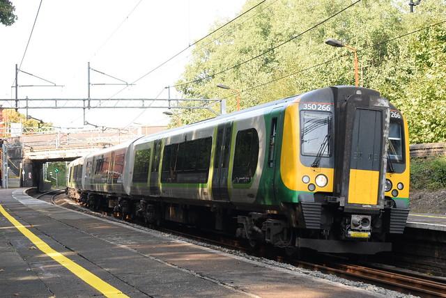 WMR 350266 @ Smethwick Rolfe Street railway station