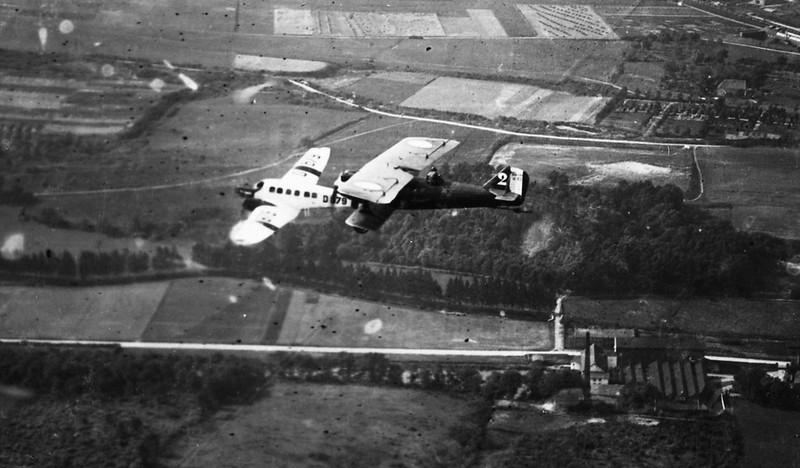 Avion allemand Junkers F 13 accompagné d'un Bréguet XIX Bréguet 19 Br.19 Bre.19