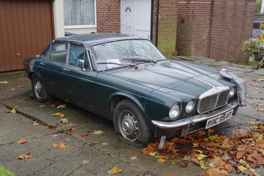 Abandoned 1979 Daimler Sovereign 4.2