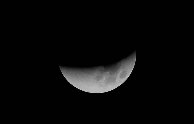 Mondfinsternis lunar eclipse - 90 percent. SX60 CR2, RAW. 1385 mm, 3.46 am.