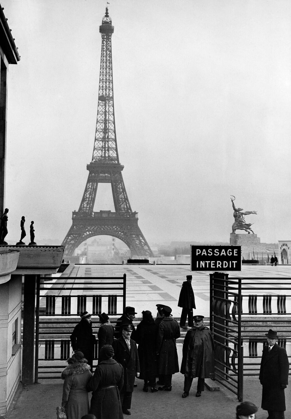 05. 1937. Вид на Эйфелеву башню