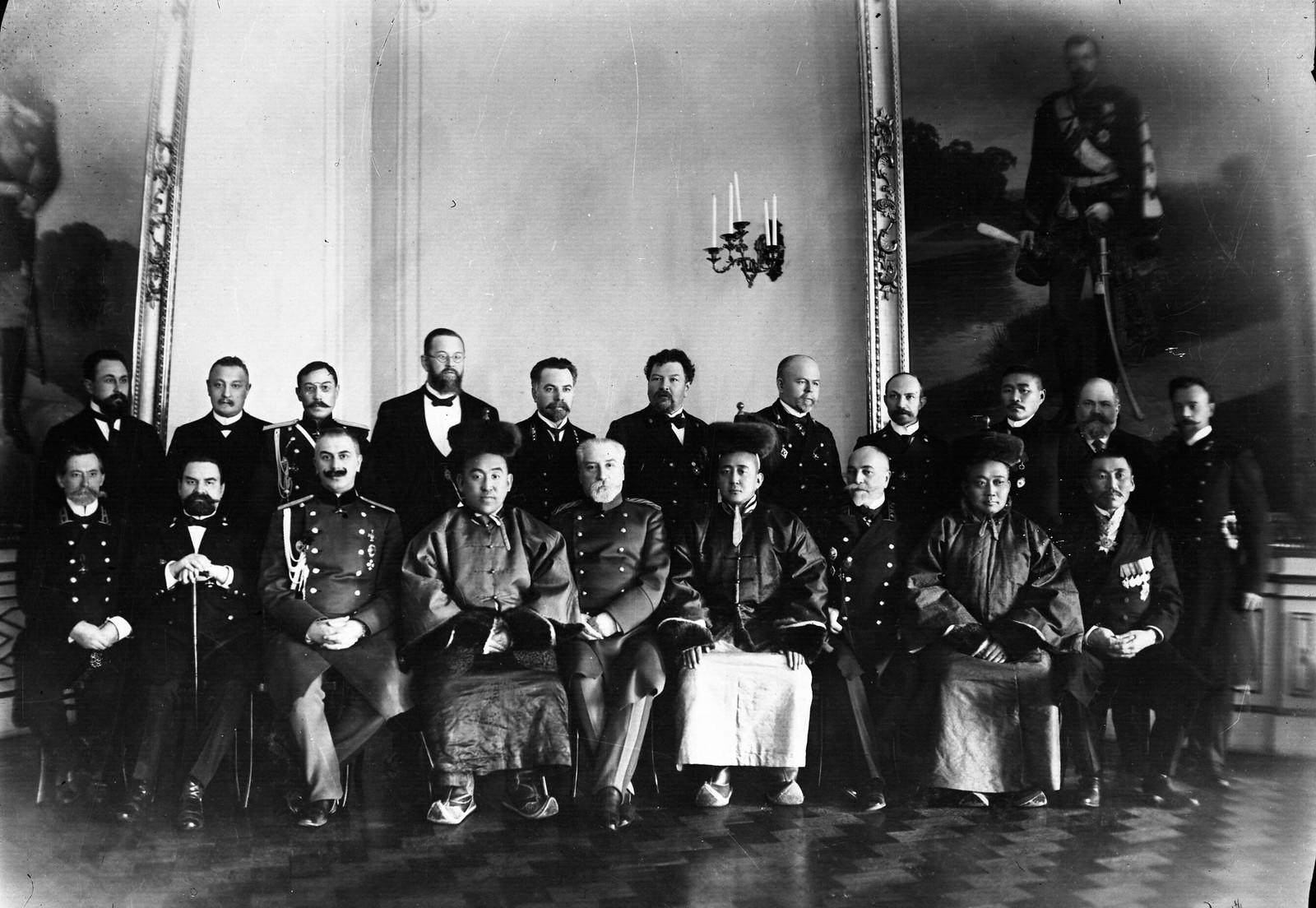 10. 1913. Министр иностранных дел Монголии Ханддорж в России