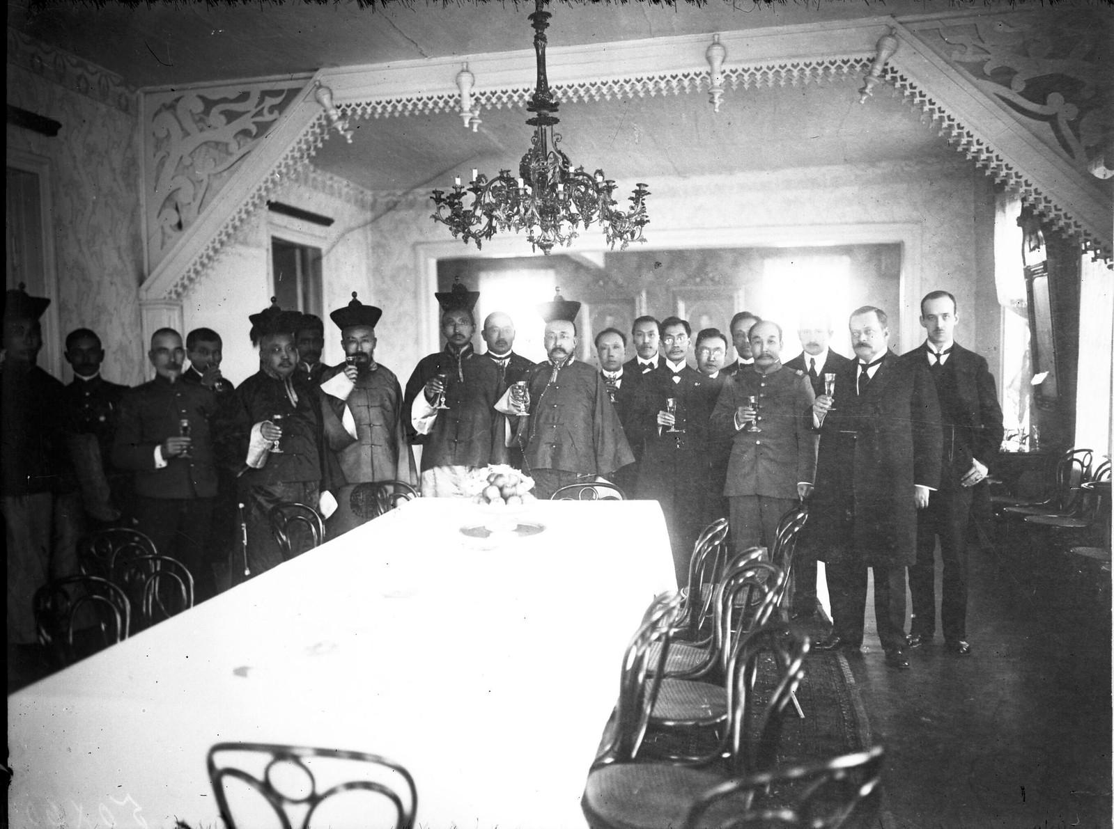 14. 1914. Подписание трехстороннего договора между Монголией, Россией и Китаем (известный как Кяхтинский договор)
