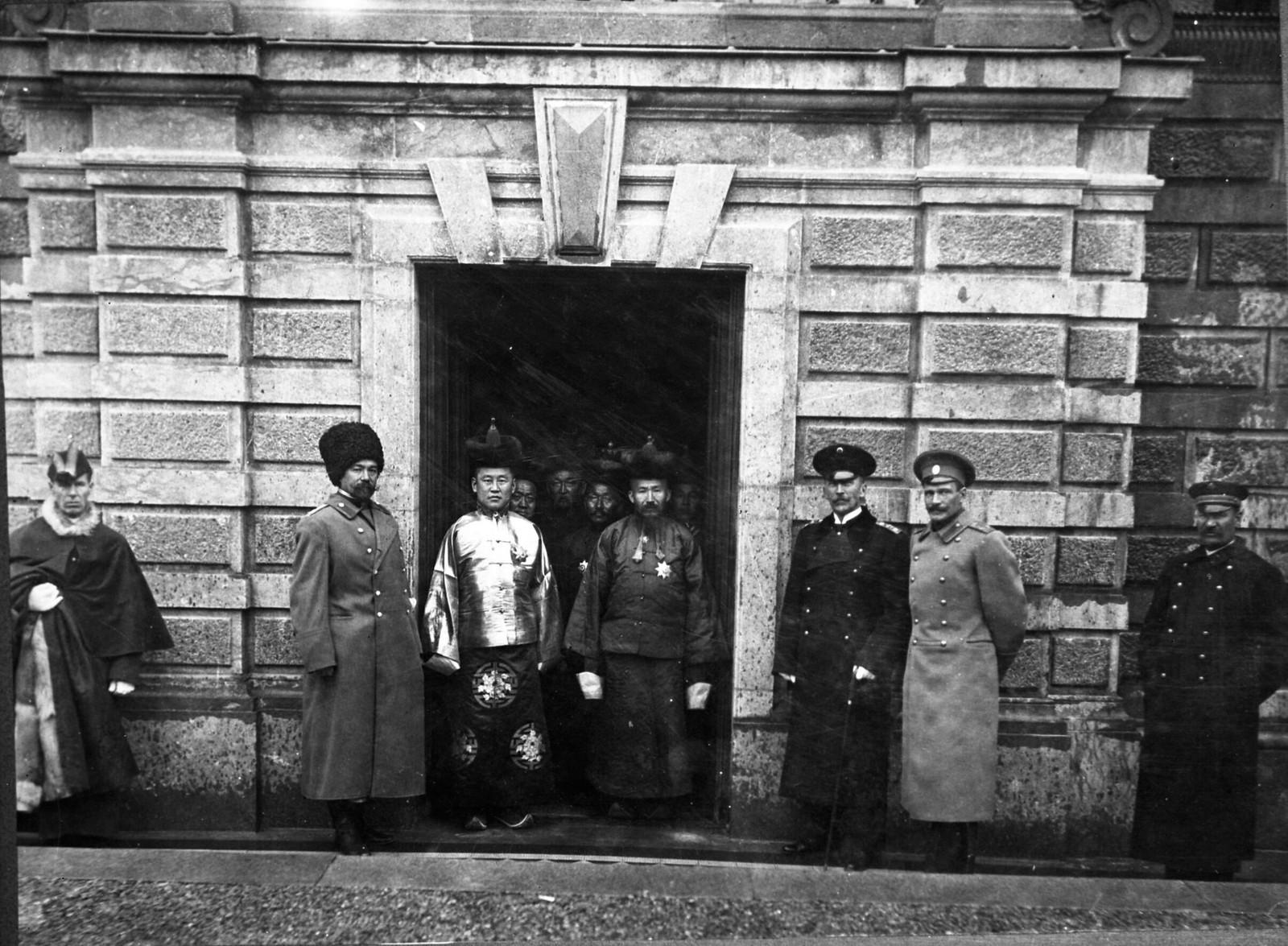 06. 1913. Правительственная делегация Монголии во главе с премьер-министром Намнансурэном в России
