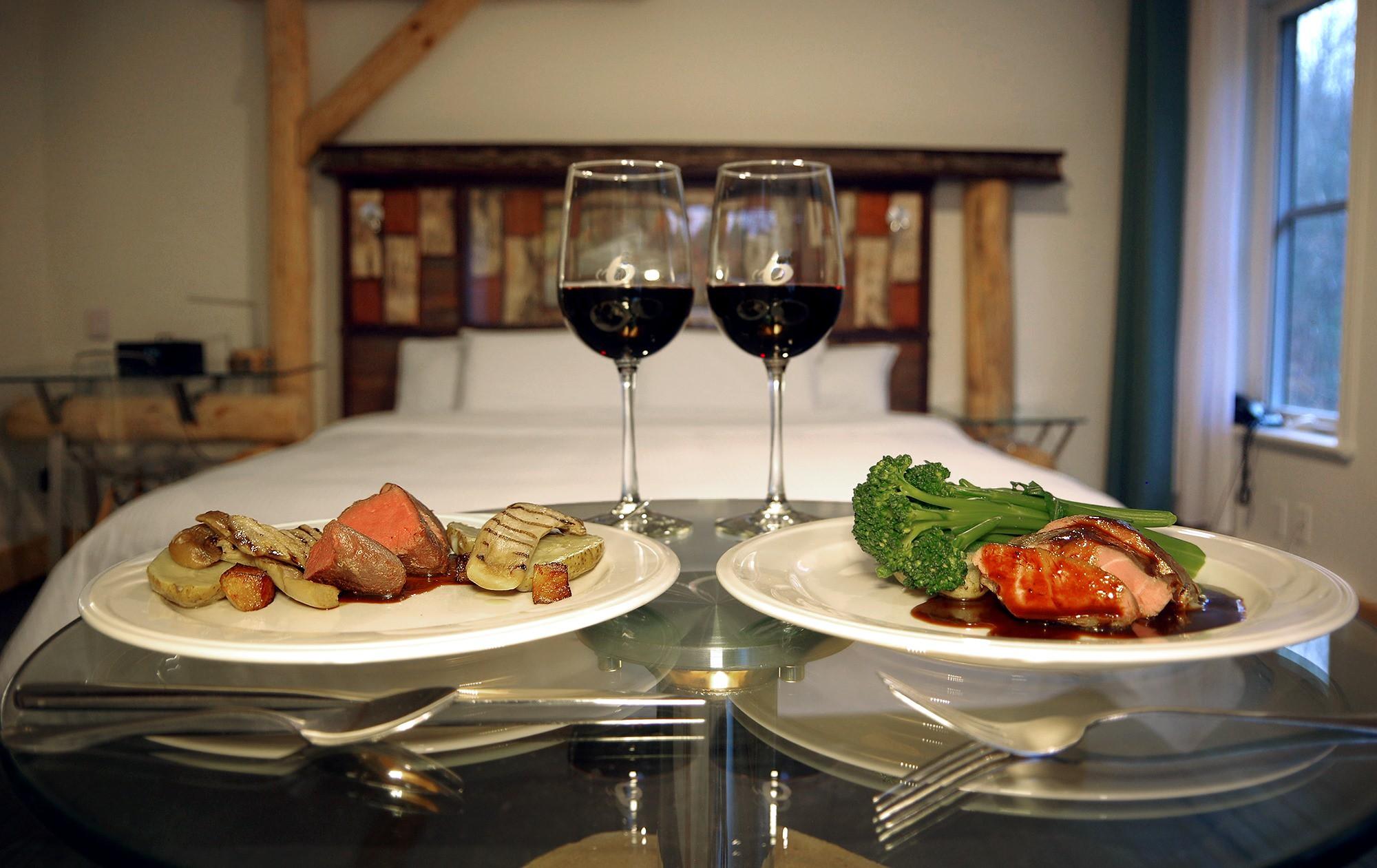 Service aux chambres pour le souper gastronomique