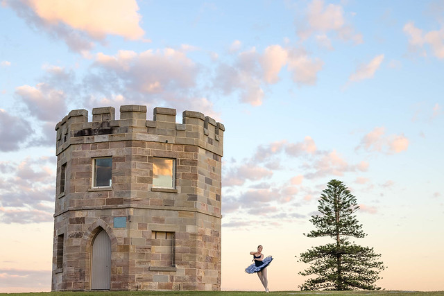 Sunrise dancer || La Perouse