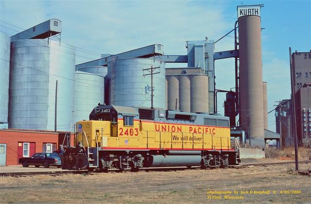 UP 2403, St Paul, MN. 4-05-2000