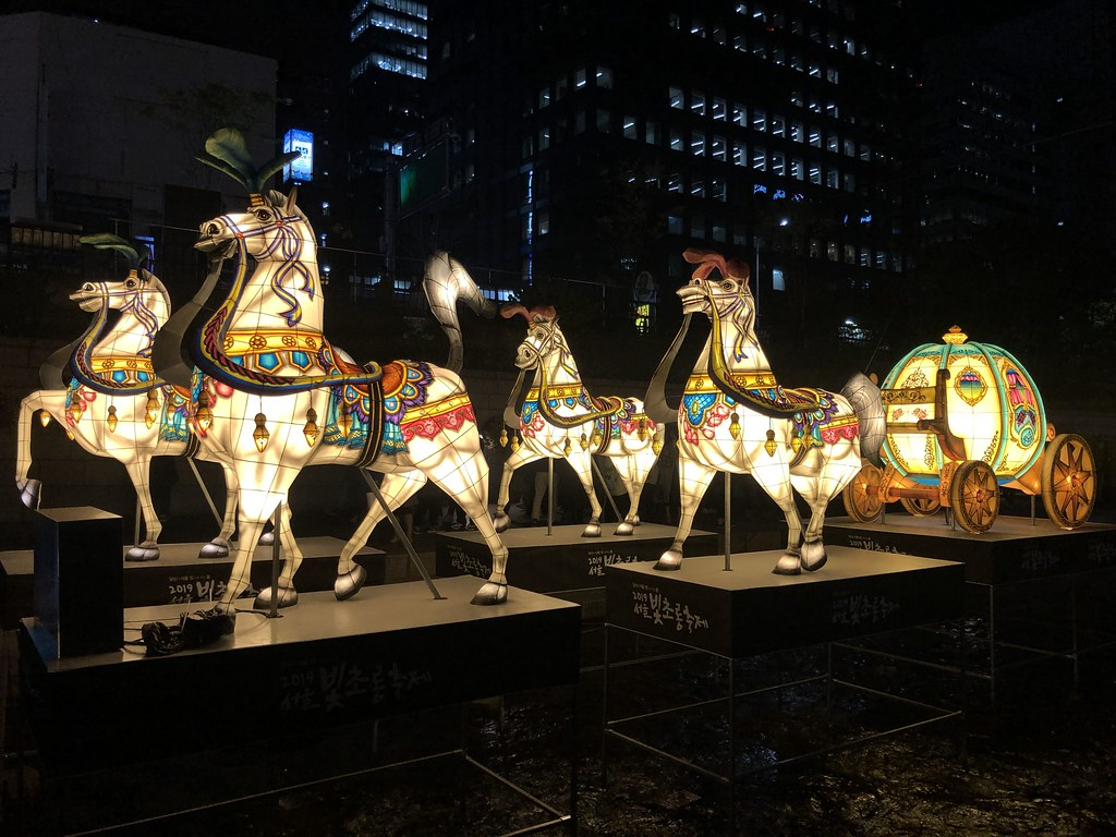 Winter in Korea | Cheonggyecheon Stream Seoul Lantern Festival