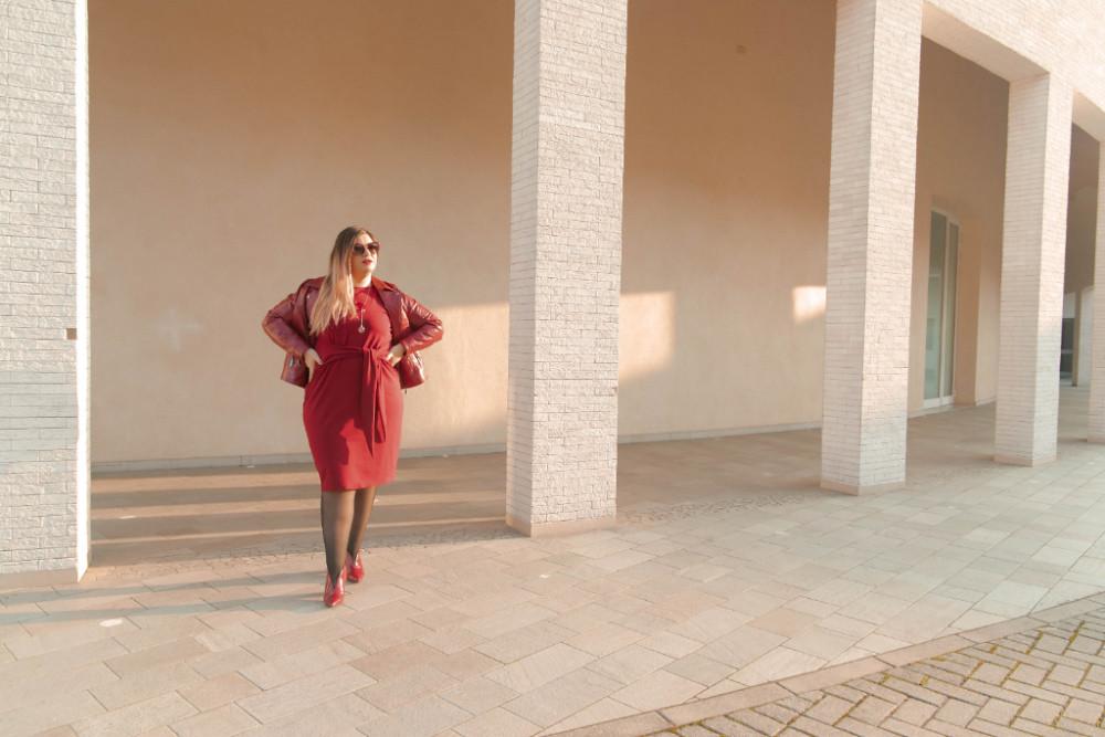 outfit monocromatico con abito byalis (2)