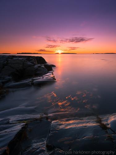 2020 gulfoffinland helsinki longexposure marraskuu october sonyfe1635mmf4 sonya7iii suomenlahti särkkäniemi uutela aamu auringonnousu clouds coast dawn landscape maisemakuva meri morning pilvet rannikko sea sunrise