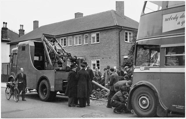 LT trolleybus No. 1771 accident Apr 1951 (side view)