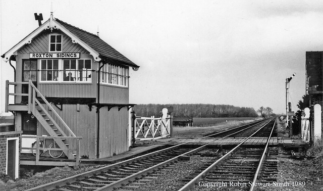 LNER Roxton Sidings Signal Box & Level Crossing (MSLR 1884) on 11th February 1989