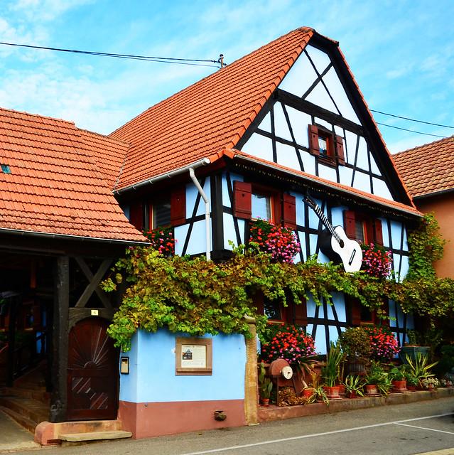 La maison d'enfance d' Alain Bashung à Wingersheim et son incroyable histoire.