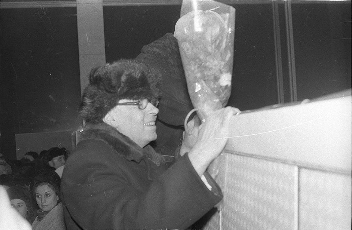 1986. 23 декабря Андрей Сахаров вместе с Еленой Боннэр возвращается в Москву (5)