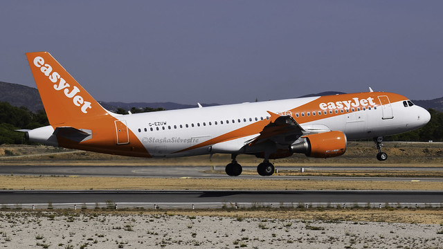 G-EZUW Airbus A320-214