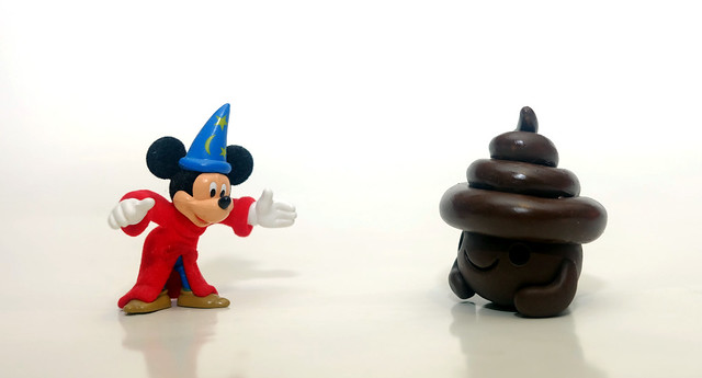 WIZARD WELCOMES POO