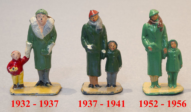 Dinky Toys No. 3a Woman and Child Figures