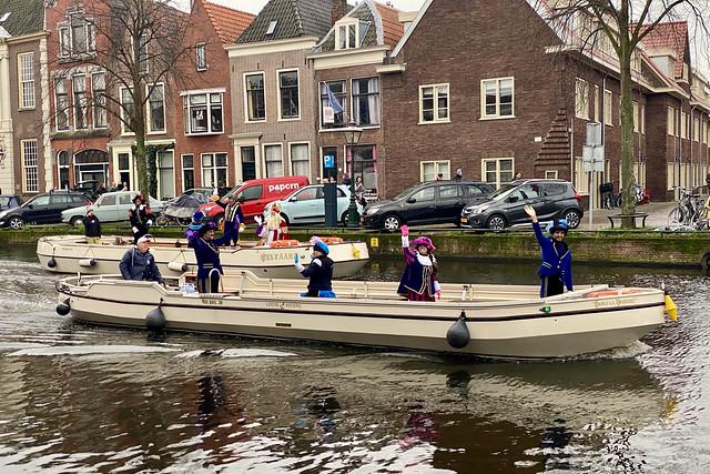 Saint Nicholas and Black Petes enters Leiden