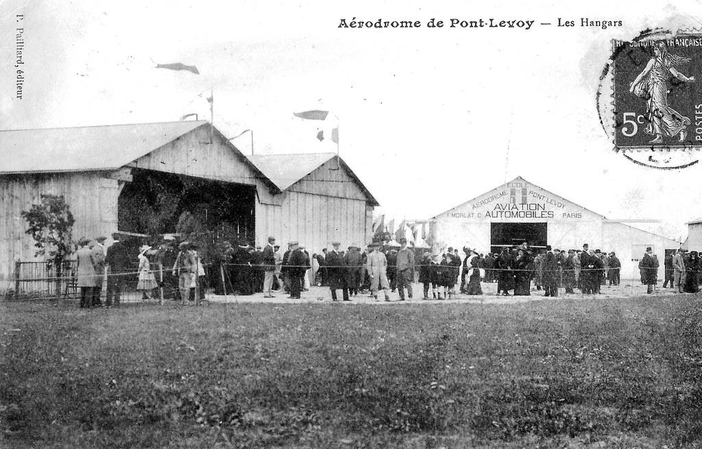 Anciens aérodromes Pont-Levoy Pontlevoy hangars école aviation automobiles foule Morlat 1914 Toni Giacoia