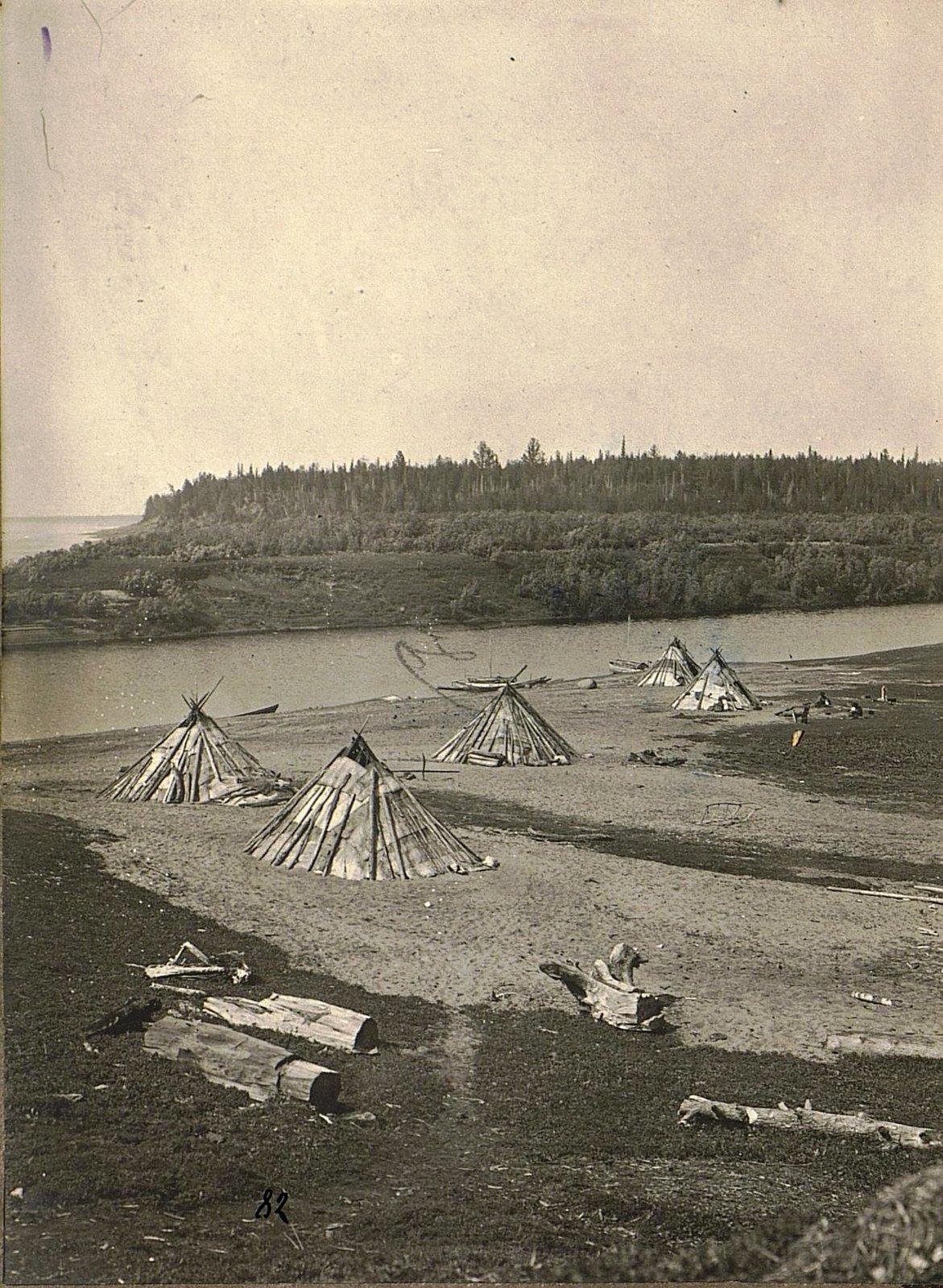 Вид на стойбище в устье реки Имбака