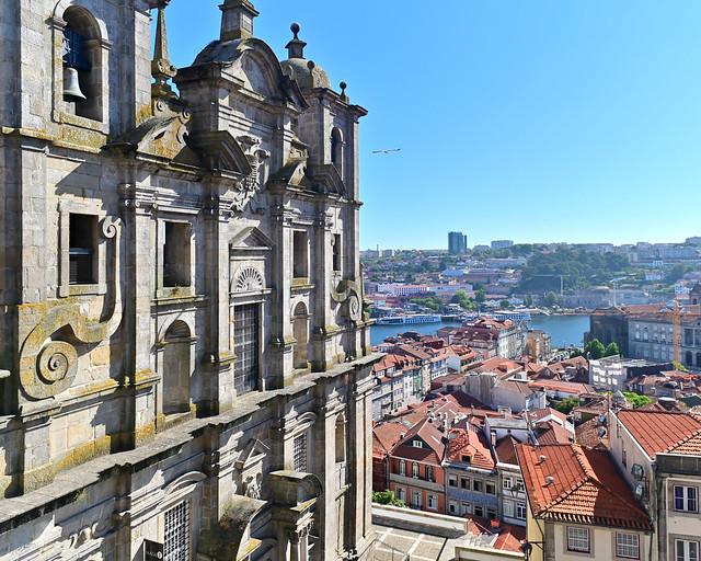 Mejores vistas de Oporto y la Igreja dos Grilos desde Rua das Aldas