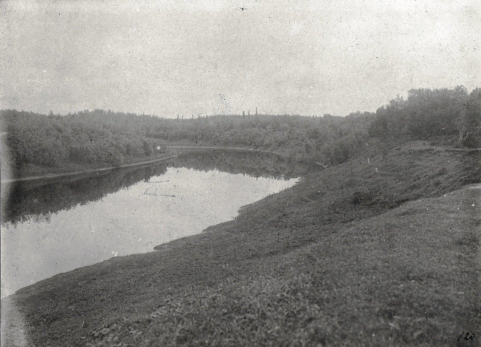 Место на реке, где ставили сети-пущальни