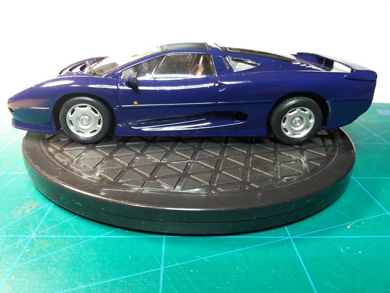 Pas-à-pas : Jaguar XJ 220 [Revell 1/24] *** Terminé en pg 5 - Page 5 50649246133_4194739c53_c