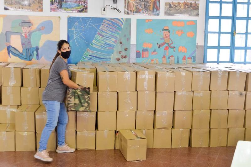 Novena entrega de módulos alimentarios para alumnos de escuelas y jardines municipales (3)