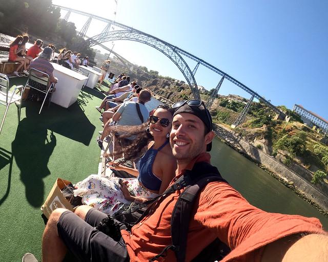 Barco por el Duero en Oporto