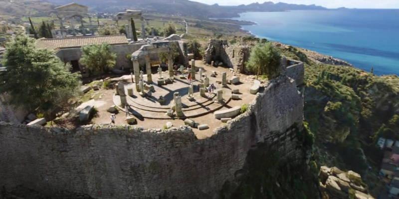 Aquaman temple in ruins in Italy