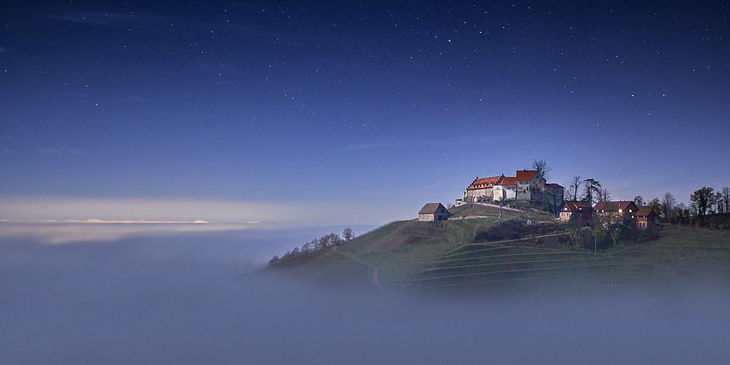 Schloss Staufenberg im Mondschein