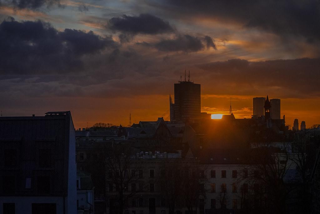 Beautiful sunset! Great late sun rays 16:49:09 DSC_9288