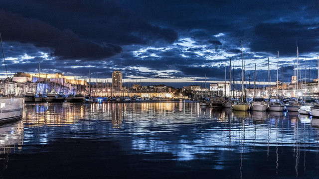 L'heure bleue de Marseille...