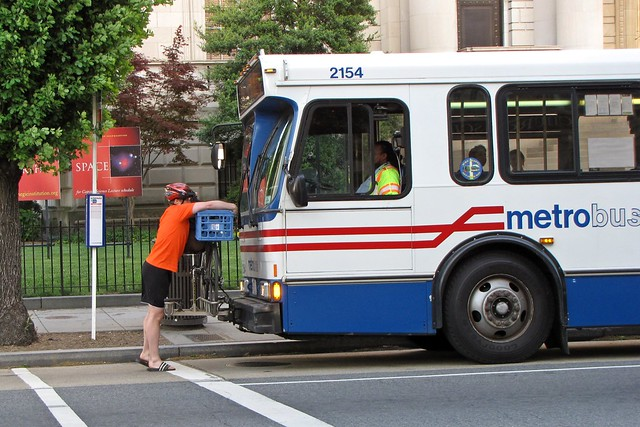 Metrobus 2154 at 16th and P Streets