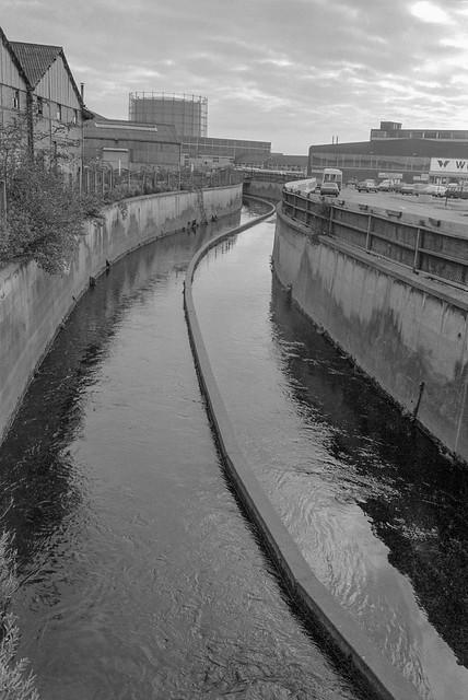 Pymmes Brook,  Edmonton, 1983 37c-56_2400