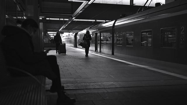 light&shadow @ central station, Düsseldorf 2
