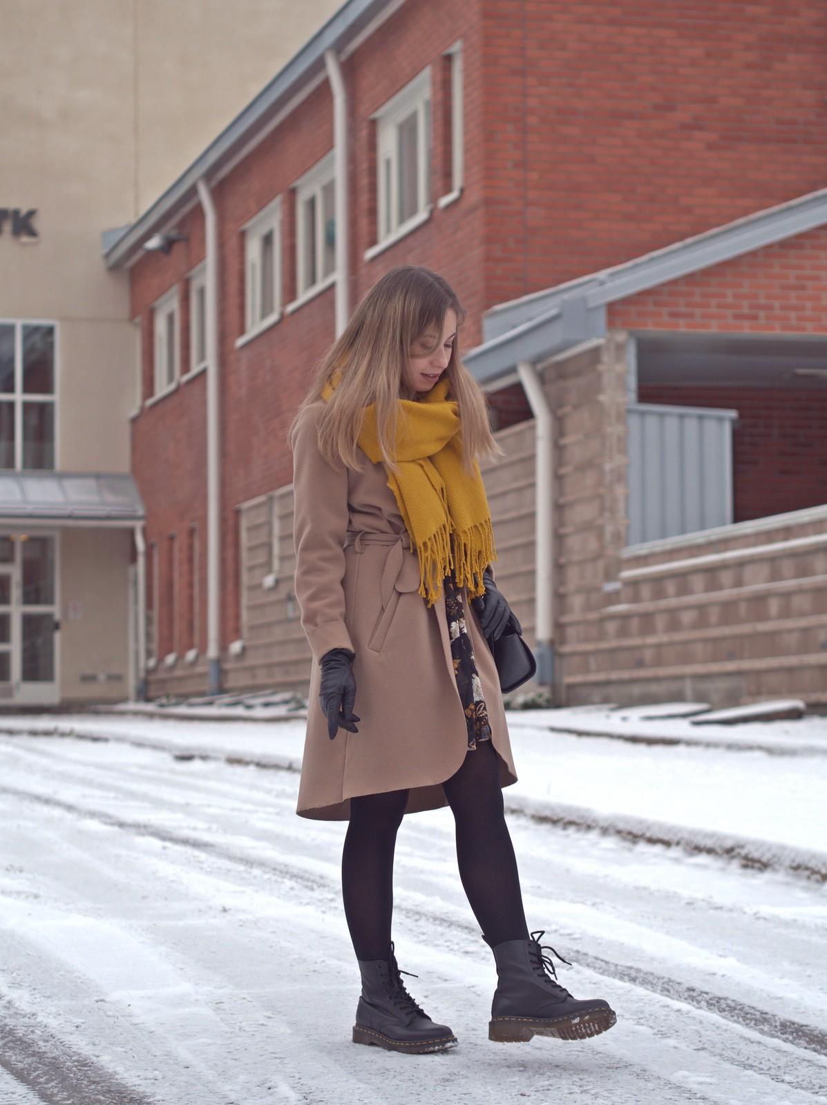 kamelitakki talvella